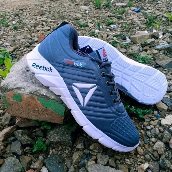 Foto Produk Sepatu pria Reebok Terlaris sepatu Olahraga - Abu-abu, 41 dari L Sport