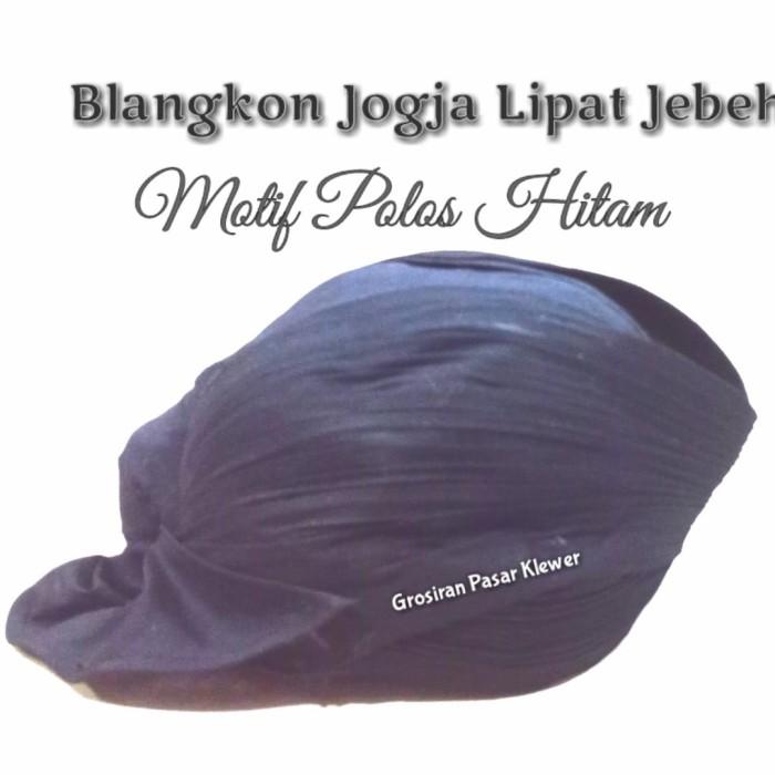 Foto Produk Blangkon Jogja Lipat Jebeh Motif Polos Hitam dari Grosir Pasar Klewer Solo