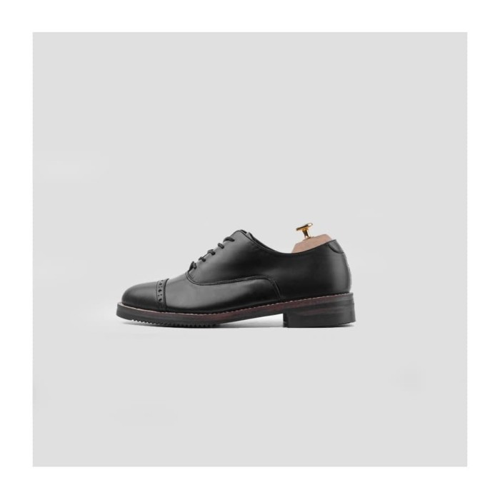 Foto Produk Portee Goods Oxford Captoe Black - 40 dari portee goods