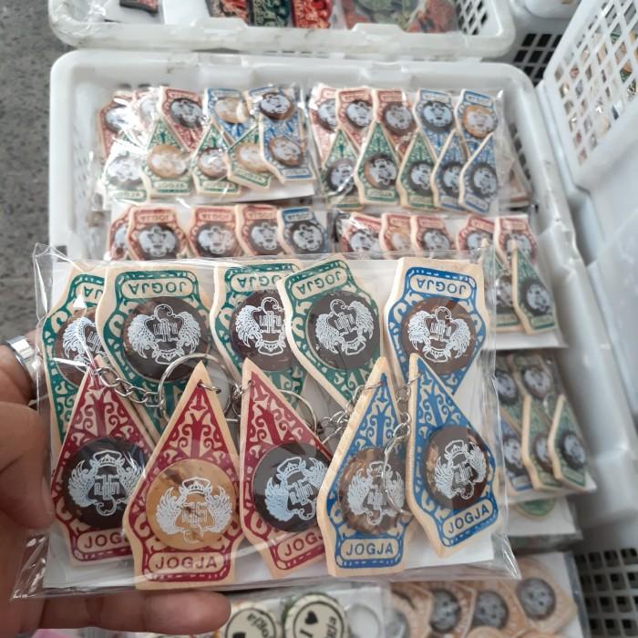 Foto Produk Gantungan Kunci Jogja Gunungan Batik dari RAFANIA SOUVENIR JOGJA