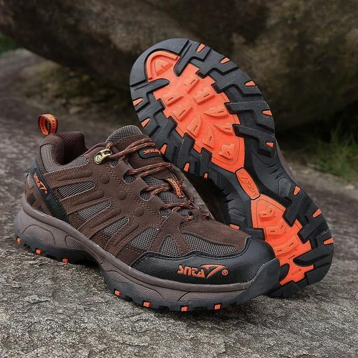 Foto Produk Sepatu Gunung SNTA Original - Sepatu Outdoor SNTA 434 Low - Free Buff - Brown Orange, 41 dari Loxastore