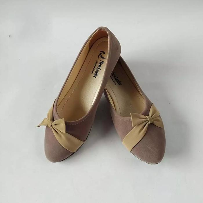 Foto Produk Sepatu Flat / Sepatu balet / sepatu datar - Abu-abu, 36 dari BeCek Shop