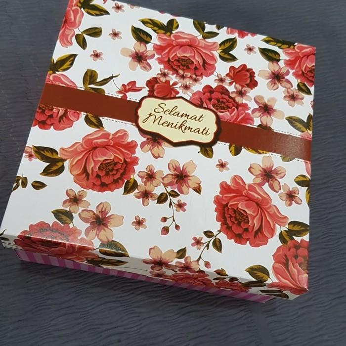 Jual Dus Nasi Ukuran 18x18cm Motif Bunga Mawar Pink Kota Surakarta Ramai Olshop Tokopedia