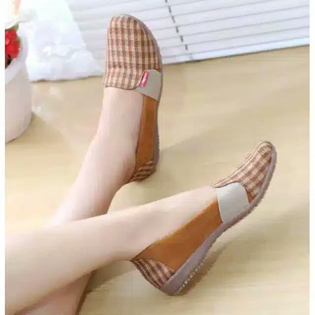 Foto Produk Reiv - Sepatu Wanita Flat Shoes - Hitam, 37 dari Reiv_Shop