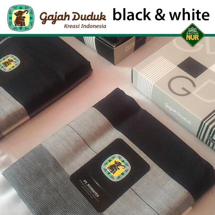 Foto Produk Sarung Gajah Duduk Black & White Istimewa - Original Limited Edition dari Baitunnur