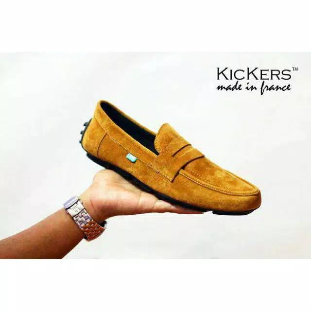 Foto Produk Sepatu Pria Casual Slop Kickers Moccasin Slip On Suede - Cokelat Muda, 38 dari D&G Store