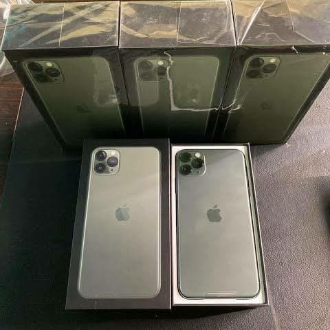 Foto Produk iPhone 11 Pro Max Midnight Green 256 GB dari Pejuang Kecil