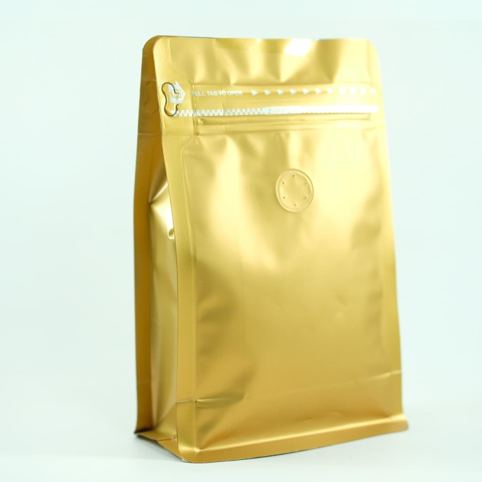 Foto Produk Coffee Bag 250gr Standing Pouch With Zipper + Valve Gold (20 pcs) dari KOPITIAM OFFICIAL STORE