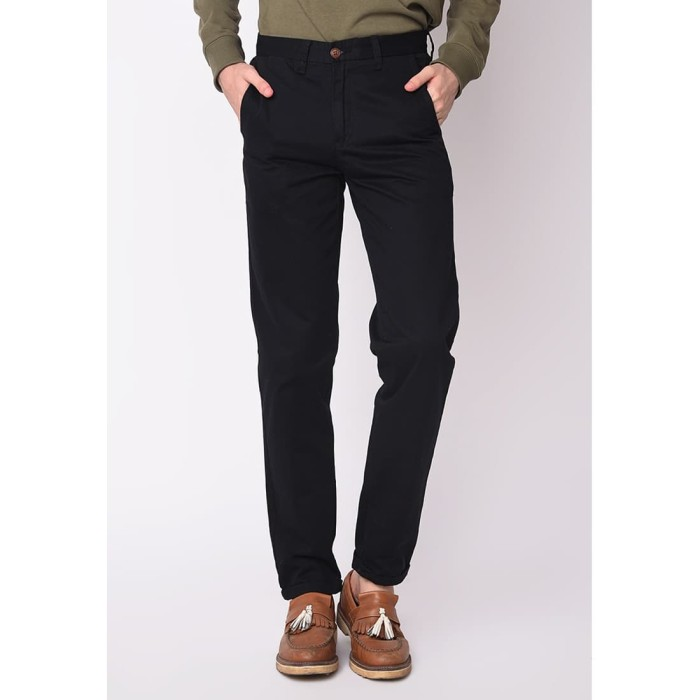 Foto Produk Skelly Celana Panjang Chino Kennedy Pants Twill T2 Hitam - Hitam, 32 dari Skelly Official