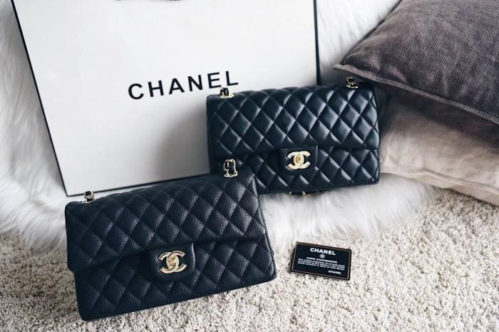 4f4e43ca6b0f Jual Chanel Classic Medium Flap Bag - Black - Lexy Boutique   Tokopedia