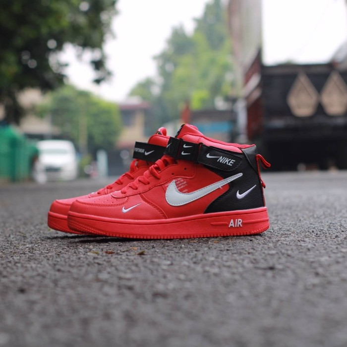 buy online bff6f a53ad Sepatu Nike Air Force 1 Mid 07 LV8 Utility Univetsity Red Import Pria