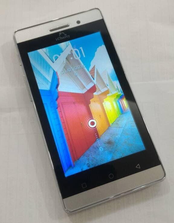 """Handphone / HP iCherry C82 Horn [RAM 256MB / Internal 512MB]"""