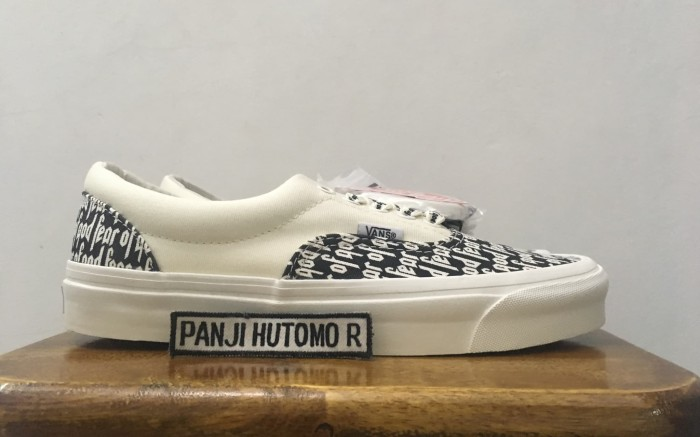 8b71fb31 Jual Vans Era 95 DX Fear Of God White Black / Marshmallow Size 8 ...