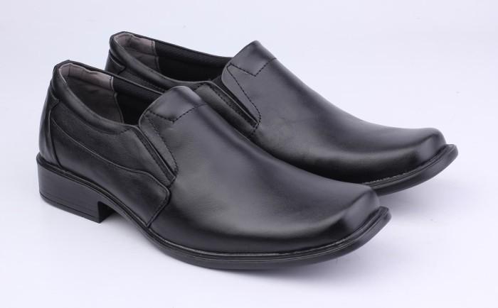 Jual Sepatu Kulit Formal Branded Bandung - CBN 107 - WETAN Store ... 7f3f11a1fb