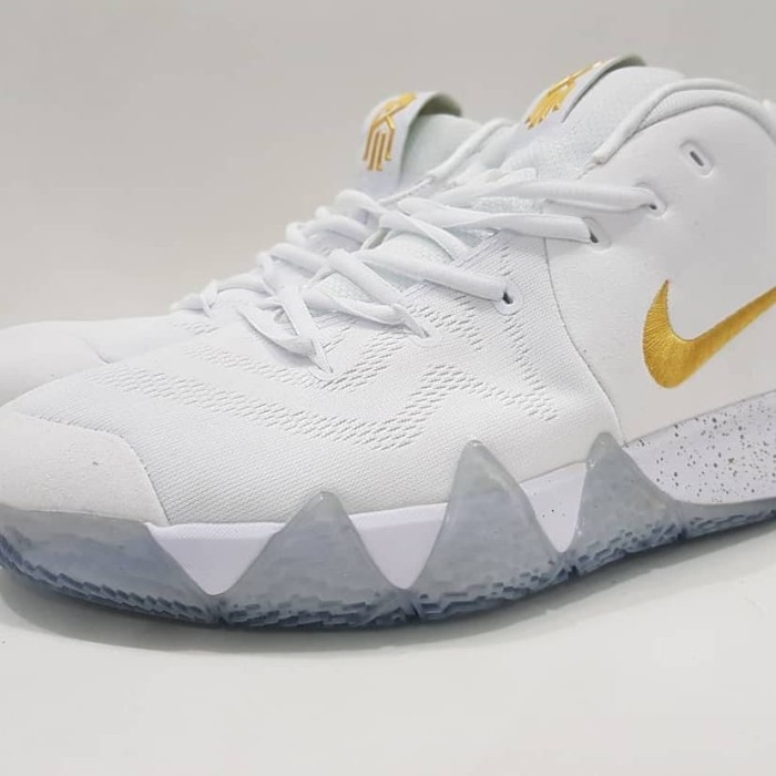 hot sale online 1b3e0 11eda Jual NIKE KYRIE IRVING 4 - WHITE GOLD WHITE - Kab. Bogor - LexaShoes |  Tokopedia