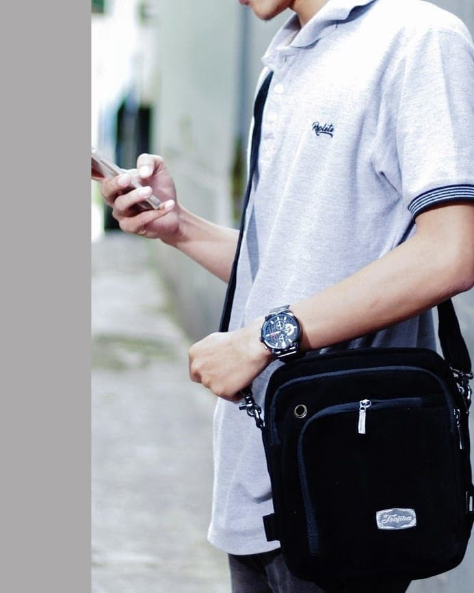 Tas Selempang Pria Kecil Pouch HP/Tablet/Gadget/ Trojika T-MAN - CREAM