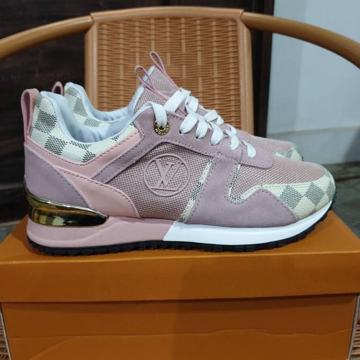 924f4f9ed93 Jual Sepatu Sneakers Louis Vuitton Run Away Rose Pink Gold Women - Jakarta  Selatan - ridoshop9 | Tokopedia