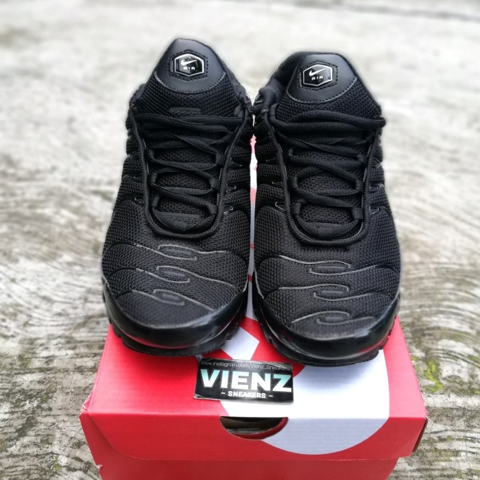 Jual Nike Airmax Plus TN Black Metalic Gold. MIRRORED BNIB DKI Jakarta Vienz_Sneakers | Tokopedia