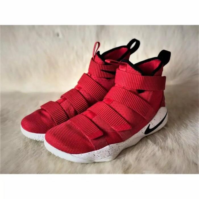 newest ac5c4 3e2a7 Jual Nike Lebron James XI 11 Soldier Red White Perfect Kick PK Original -  DKI Jakarta - Wak fashion suply   Tokopedia