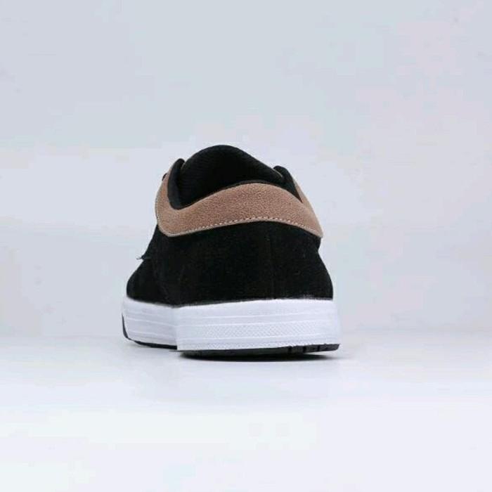 Jual Sepatu Sneakers Pria (Sepatu Distro Sepatu Casual) CATENZO TF ... d830570dfb