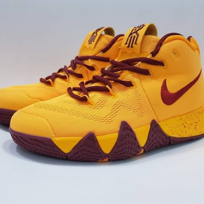 buy popular 4d1e9 87b53 Jual Sepatu Basket Nike Kyrie Irving 4 Yellow Wine Premium BNIB men Shoes -  Kab. Tangerang - Cheapshoes   Tokopedia