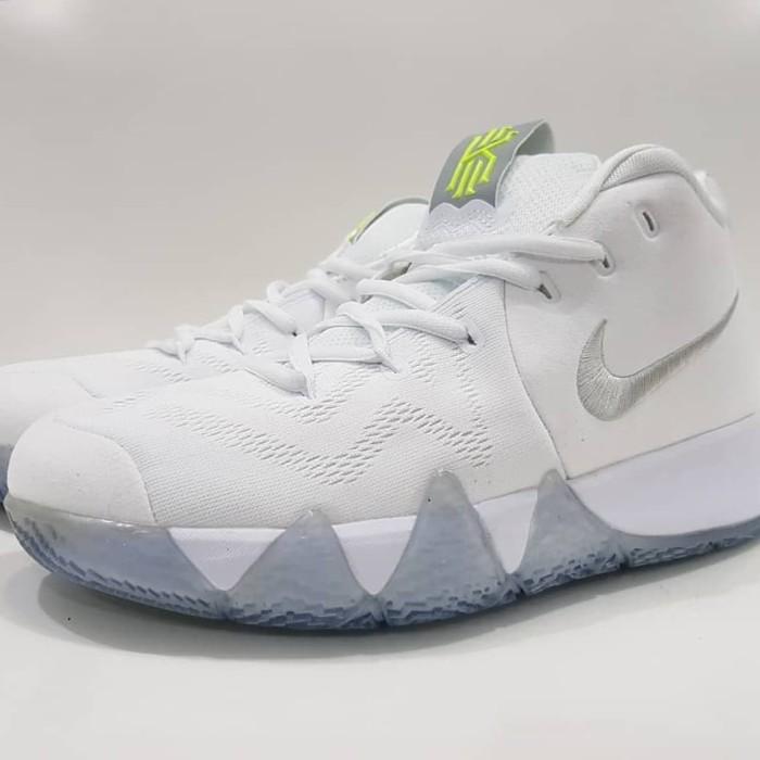 e6a575507f0d Jual Sepatu Basket Nike Kyrie Irving 4 White Silver Premium BNIB men ...