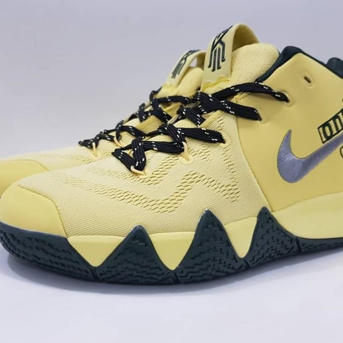 wholesale dealer 8fd67 9c6a9 Jual Sepatu Basket Nike Kyrie Irving 4 Yellow One Premium BNIB men Shoes -  Kab. Tangerang - Cheapshoes   Tokopedia