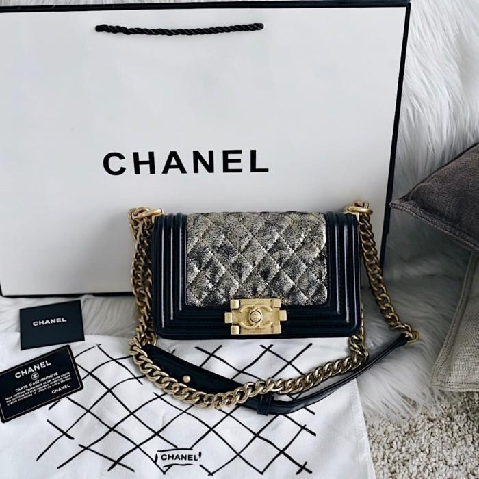 fb8cbb3578b2ab Jual Chanel Boy Metallic Crumpled Handbag - Royal Emporium   Tokopedia