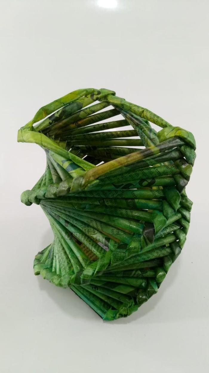 Jual Vas Bunga Hias Cocok Dekorasi Ukuran Sedang Unik Bahan Koran Kab Sleman Kerajinan Unikk