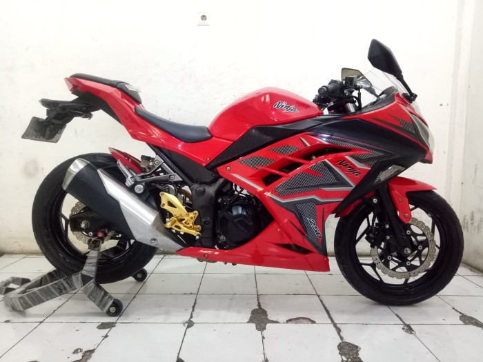 Jual Stock Ready Kawasaki Ninja 250 Se Warna Merah Tahun 2014