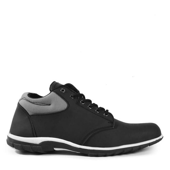 harga Sepatu pria walkers warior hitam semi boots casual sneakers murah Tokopedia.com