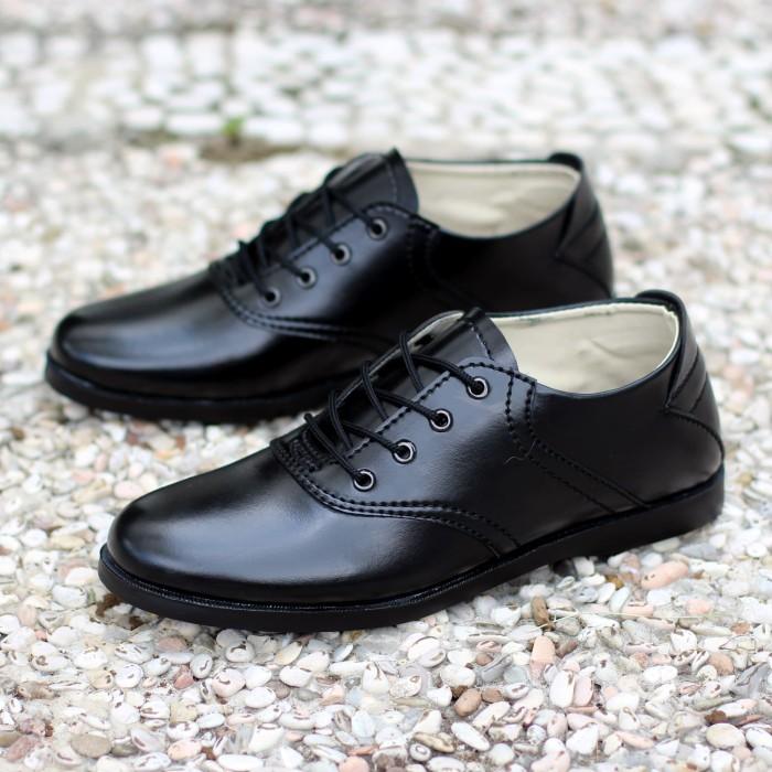 harga Sepatu pria kerja formal santai casual pantofel / pantopel / pantovel Tokopedia.com