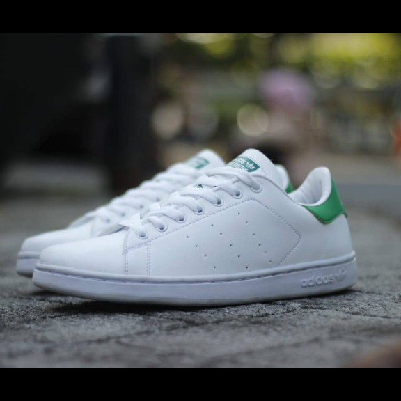 best loved ad228 cf7c7 Jual sepatu pria adidas stan smith/ 4 warna ready stock - Jakarta Selatan -  sepatu25 | Tokopedia