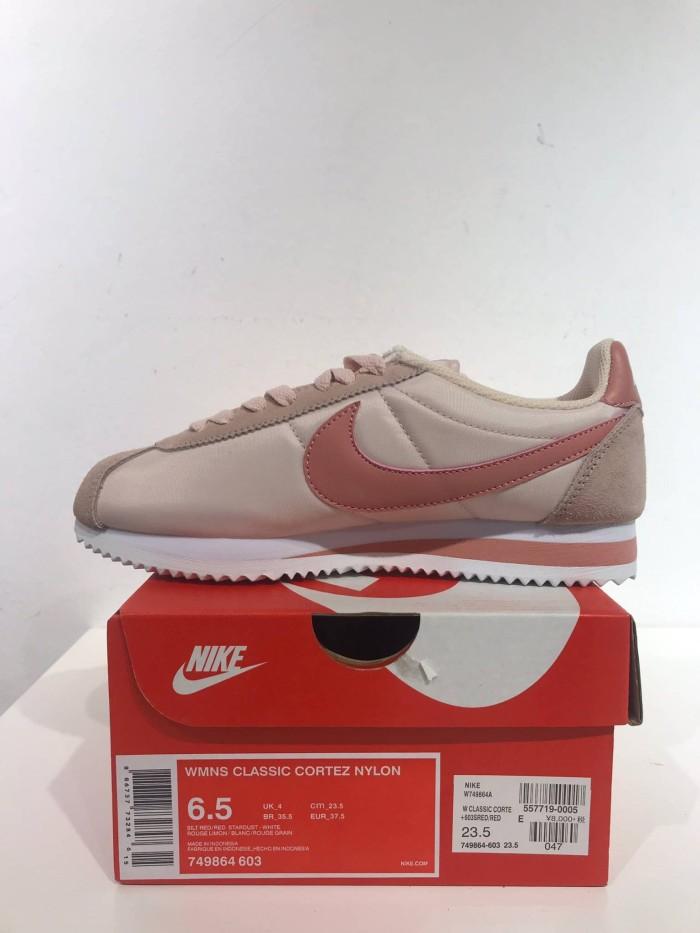 buy online 6d5bc 7c196 Nike WMNS Classic Cortez Nylon - Coral Stardust White - Merah Muda, 38