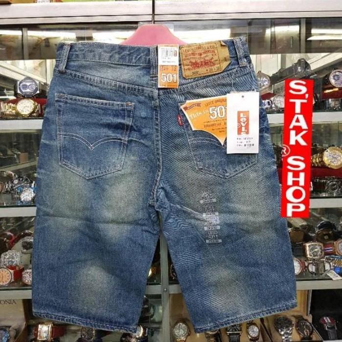 Jual Celana jeans pendek Levis 501 Celana pendek pria - olshopaje ... 6f81a6e488