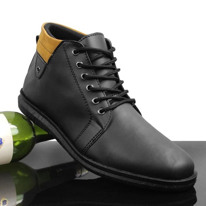 harga Sepatu pria walkers alton hitam casual formal semi boots musim dingin Tokopedia.com