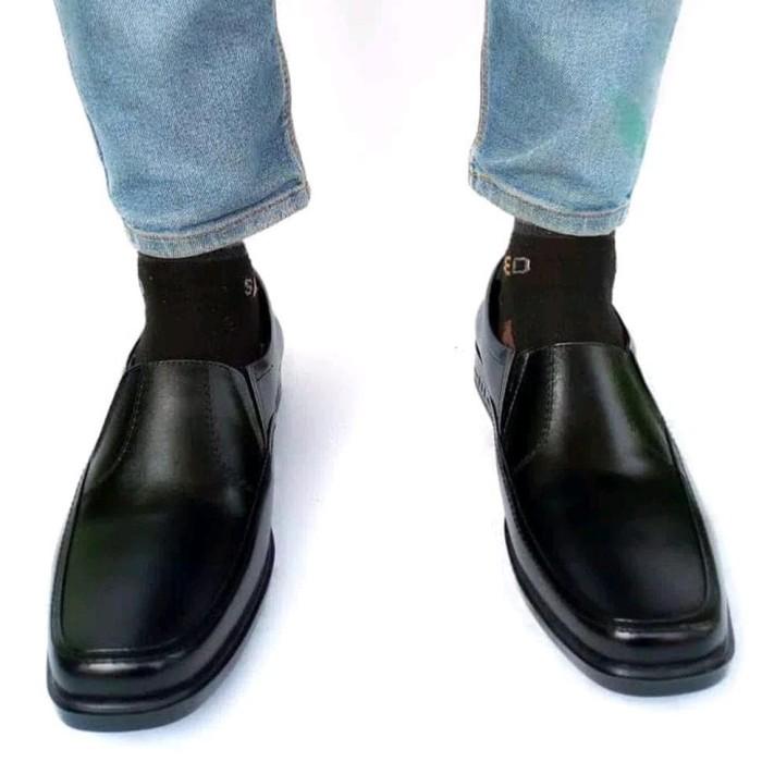 Jual Sepatu Pantofel Pria Kulit Asli Rasheda K 02 - rizkimeylisakta ... 5bbc5d2062