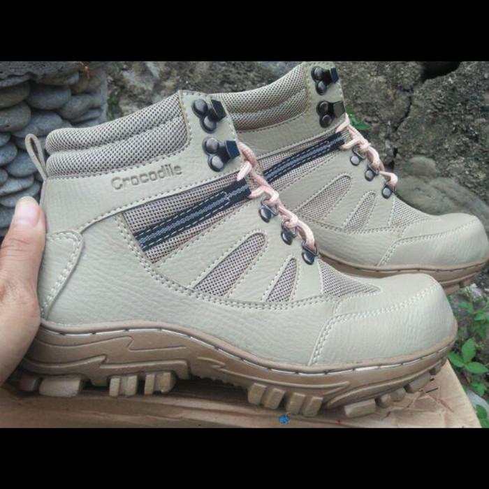 Jual Sepatu boots safety pria crocodile armor delta proyek lapangan ... 0a2bbf8273
