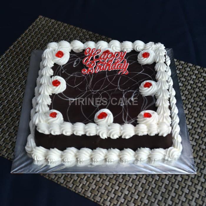 Jual Ready Stock Kue Tart Blackforest Ulang Tahun 20x20 Incl Pisaulilin Kota Tangerang Pirines Cake Tokopedia