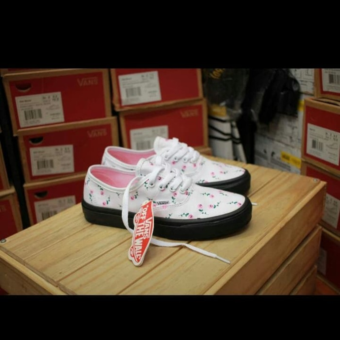 6f33c28f99 Jual Sepatu Sneakers Vans Authentic Multi Black Floral Premium ...