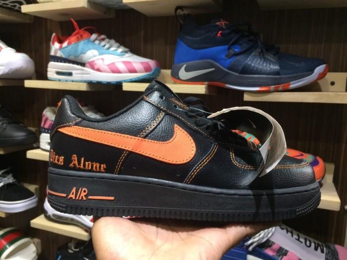 separation shoes 07fad 1f2c4 Jual Sepatu UnAuthorized Nike Air Force 1 Low x Vlone Black Orange BNIB -  Jakarta Selatan - Afshen Shoes | Tokopedia