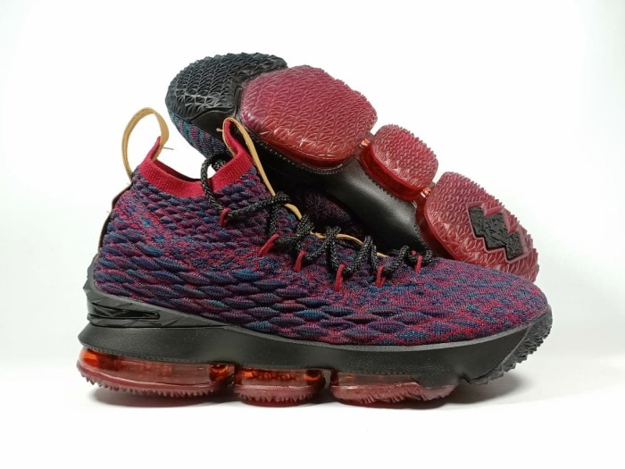 big sale dbd8a 35af0 Jual Sepatu Basket Nike LEBRON 15 NEW HEIGHTS - Kota Batam -  BN.SportStation   Tokopedia