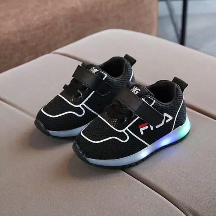 Jual Sepatu anak led merk FILA untuk anak laki-laki dan perempuan ... 9cbf75bdab