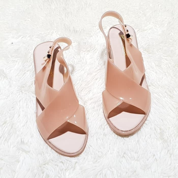 6898762a985b Jual Sepatu Sandal jelly sandal wanita import bara bara sendal karet ...