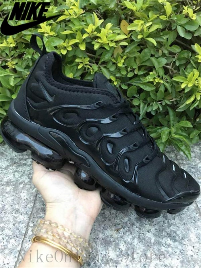 29303f7136 Nike Air Max Vapormax Plus TN Men And Women Running Shoes Cushioning
