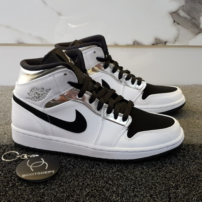 low priced 383f8 242a6 Jual Nike Air Jordan 1 Mid