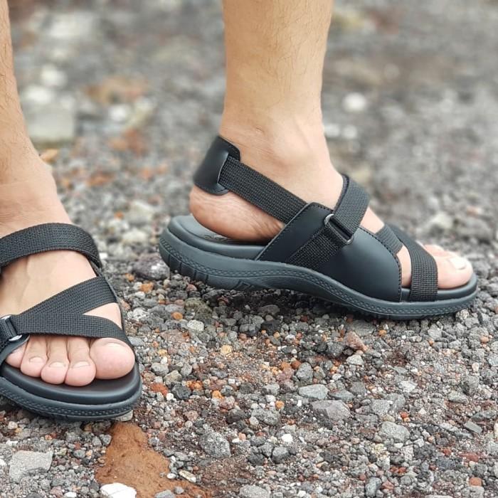 Sandal sepatu pria kulit sapi asli casual tali sendal cowok (tas)