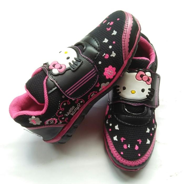 harga Sepatu sekolah hitam anak hello kitty bunga Tokopedia.com