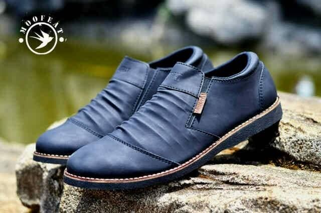 Foto Produk Sepatu Slip On Pria Moofeat Casual Original Nike Converse - Hitam, 38 dari D&G Store
