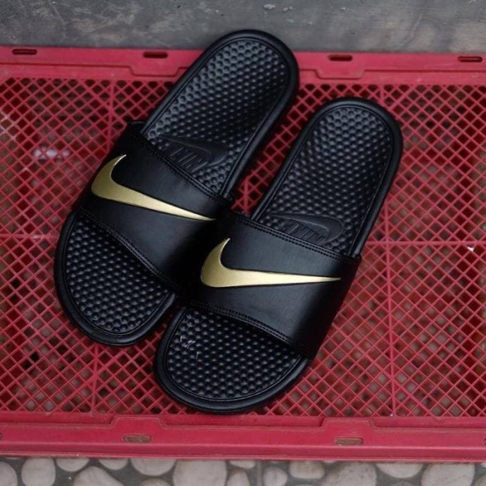 009b1465f588 Jual sandal flip flop nike benassi swoosh black gold - Kota ...